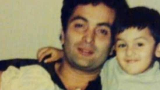 Ranbir Kapoor and Rishi Kapoor in a throwback picture.
