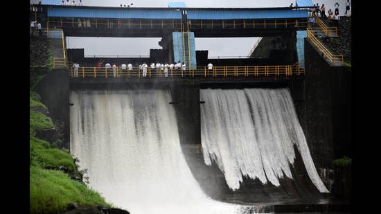 Thanks to recent heavy rainfall in Navi Mumbai, Morbe Dam is full to capacity after 2 years. (BACHCHAN KUMAR/HT FILE PHOTO)