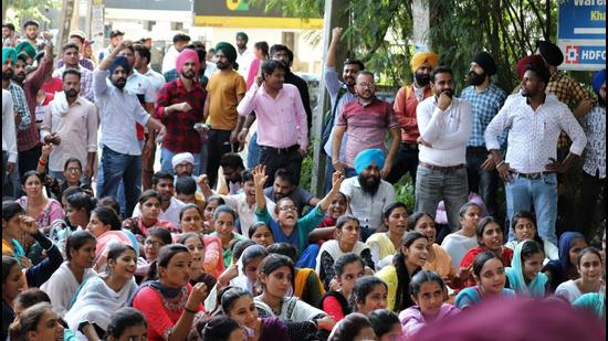 Unemployed ETT qualified teachers during a protest in Kharar on Tuesday. (HT Photo)