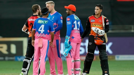 Sunrisers Hyderabad and Rajasthan Royals shake hands at the end of match 40 of the Indian Premier League between the Sunrisers Hyderabad and the Rajasthan Royals, at the Dubai International Stadium