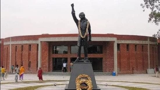 The Bhagat Singh memorial in Khatkar Kalan was launched in 2009, but the project has got stuck due to fund crunch. Work on two phases is pending. (HT Photo)