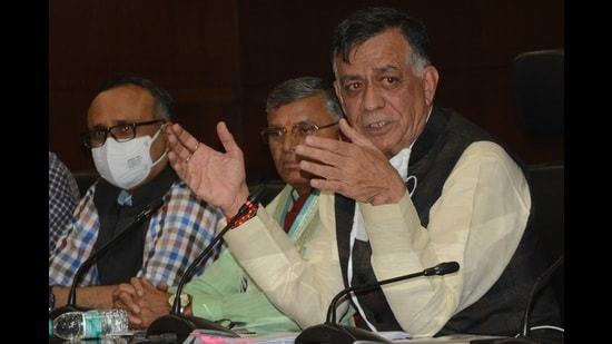Uttar Pradesh minister Satish Mahana listed achievements that the state had attracted in various sectors in the past four and a half years. (HT photo)