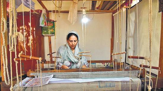 Kashmiri kani shawl weaver Shahnaz is threading the past with the future