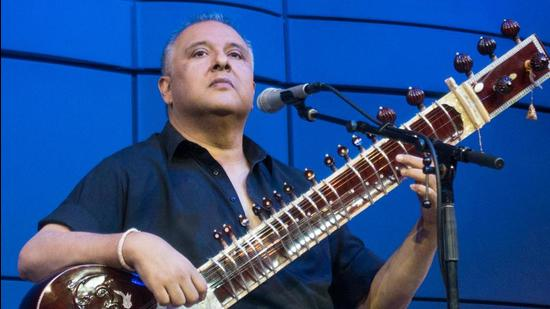 Sitarist Shujaat Husain Khan recently collaborated with renowned Iranian-American vocalist Katayoun Goudarzi for an album This Pale