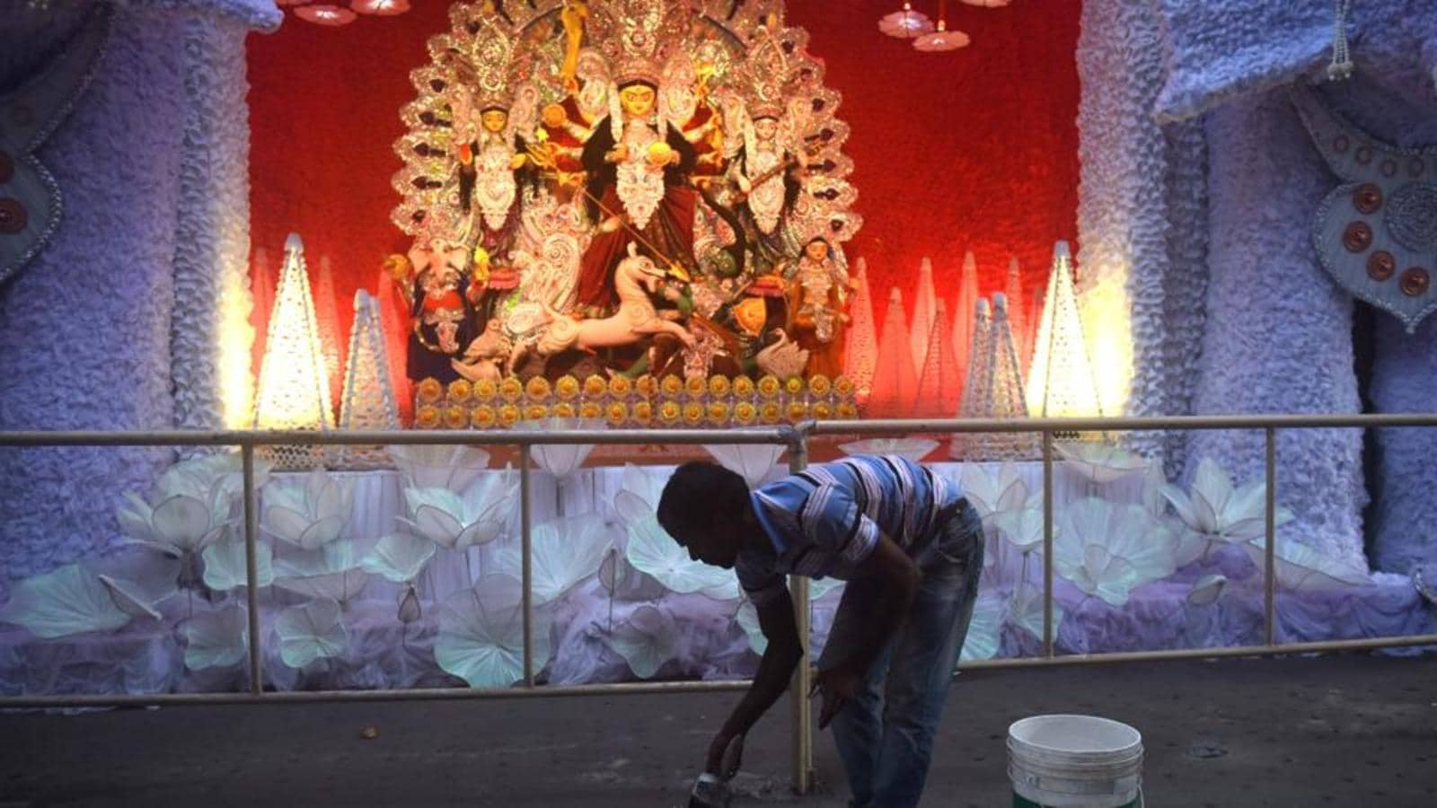 Kolkata Police to start inspection of pandals