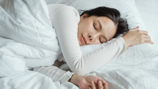 Get enough sleep and rest: Scientists have found that people who get more sleep are less hungry during the day. They also experience reduced desire for sweet and salty foods.(Pexels)
