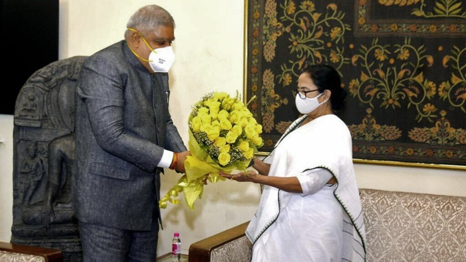 Bengal guv to adminster oath of office to Mamata, 2 Trinamool MLAs on Oct 7