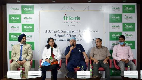 Doctors who treated Hani Jawad Mohammad (56) speak to the media in Noida's Fortis Hospital on Tuesday. (Sunil Ghosh/HT Photo)