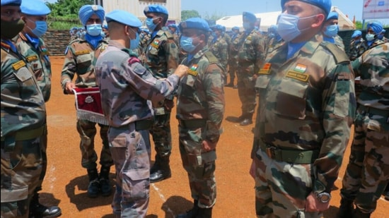 UNMISS force commander, Lt Gen Shailesh Tinaikar of the Indian Army, lauded the Indian battalion for successfully completing its tour of duty. (https://peacekeeping.un.org)