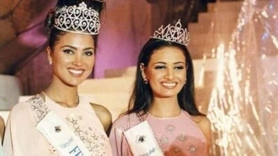 Lara Bhupathi and Dia Mirza after their respective wins.
