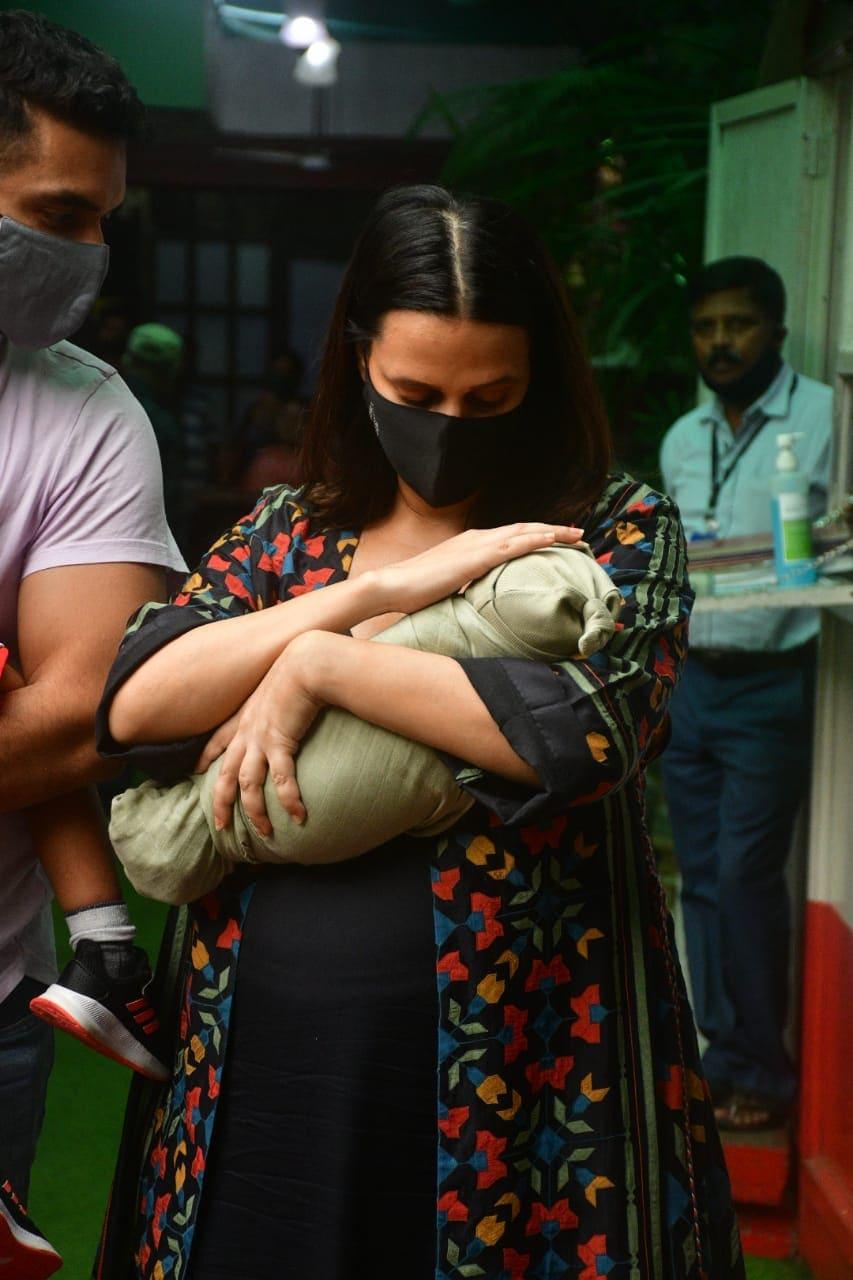नेहा धूपिया को गुरुवार को अस्पताल से छुट्टी मिल गई थी।(वरिंदर चलवा।)