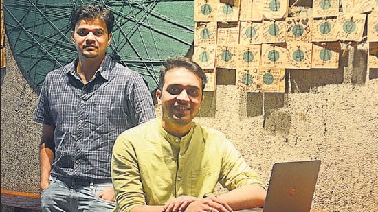 Prasanna Vaidya (left) and Shubham Deshmukh, co-founders of Gyde, a Pune-based startup – has created a software assistance platform and is on a mission to democratise software guidance and reduce the go-to-market time for companies. (Shankar Narayan/HT PHOTO)