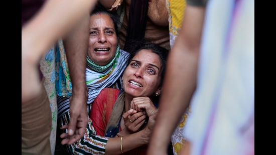 """It is indeed the State's responsibility to protect local minorities and non-local migrants from such attacks. This cannot be done by alienating Kashmiri Muslims and creating a communally charged atmosphere where suggestions of political engagement with mainstream Kashmiri leaders are either shot down as being """"pro-Islamist"""" and/or """"pro-Pakistan"""" or, when it's done, fails to yield meaningful results. (AP)"""