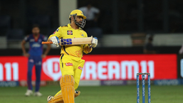Eventually, CSK reached the final as Dhoni's 6-ball 18 took his side to a 4-wicket win(BCCI/IPL)
