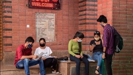 Fees, daily living worries cloud reopening of colleges for students in Pune. (PTI (FOR REPRESENTATIONAL PURPOSE))