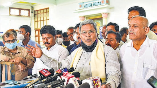 Siddaramaiah said that the Karnataka government and not the farmers is responsible for the loss and the onus lies on the government to revive the Mysuru sugar factory. (PTI)
