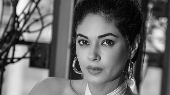 Meera Chopra has filed an FIR against her interior designer and seeks action now.