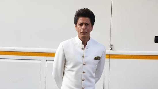 Akhil Katyal's poem on Shah Rukh Khan is winning hearts.
