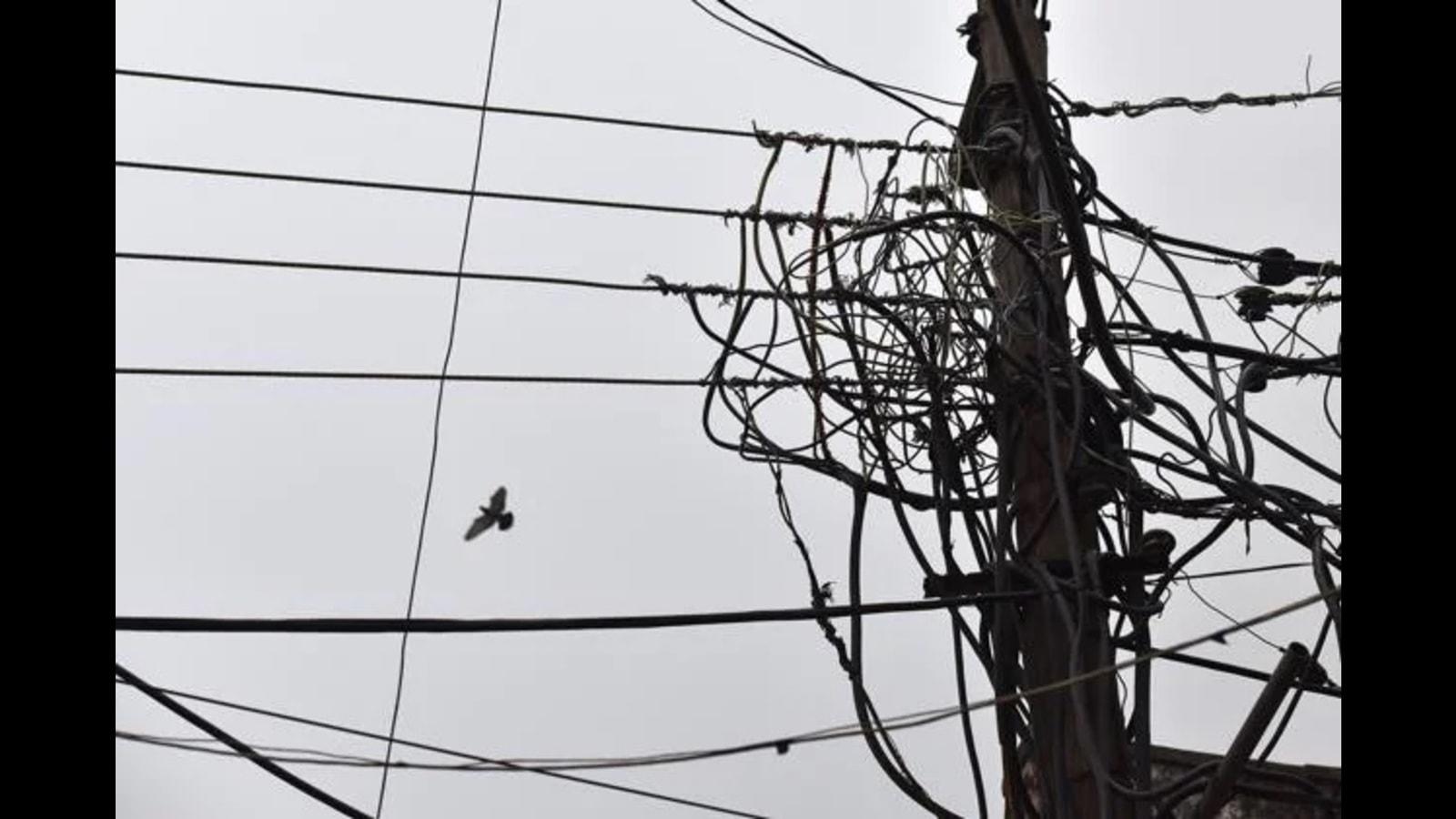 UP power engineers suspend stir till Oct 19