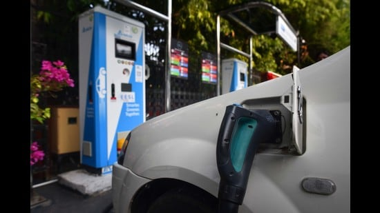 EV charging will be similar to mobile charging, but with more wheels, bigger batteries and chargers. In countries leading the EV transition, the battery is usually filled up overnight, using home plug points. This is the first layer of the charging infrastructure, and is already in use in India. (Sanchit Khanna/HT PHOTO)