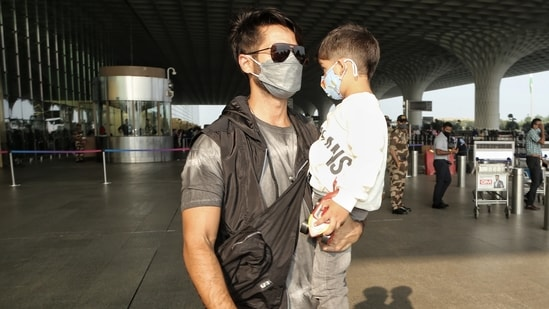Shahid Kapoor with his son Zain.(Varinder Chawla)