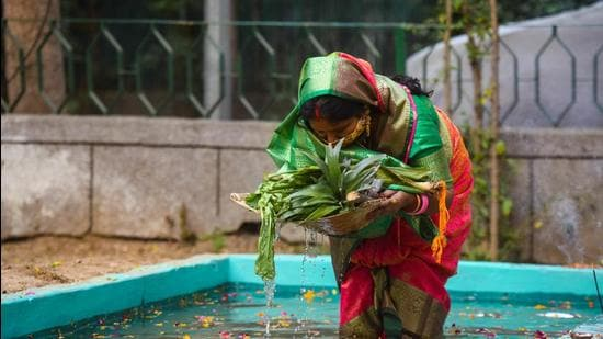 Chhath Puja celebrations involve taking a dip in the water bodies and worshipping the Sun. It is a major festival for people from Bihar, Jharkhand, and Uttar Pradesh, who have a sizeable presence in Delhi. (Amal KS/HT)