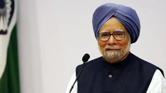 Manmohan Singh served arsenic  India's Prime Minister for 2  consecutive terms.(Reuters record  photo)