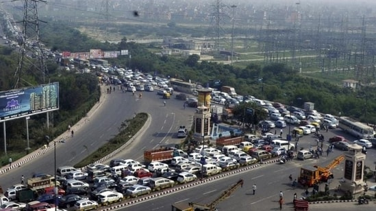 Mobile app to book parking slots online launched in Delhi. What you should know (Representational image)(Sunil Ghosh/ HT Photo)