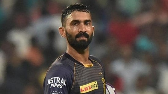 Dinesh Karthik reprimanded for breaching IPL Code of Conduct   Cricket -  Hindustan Times