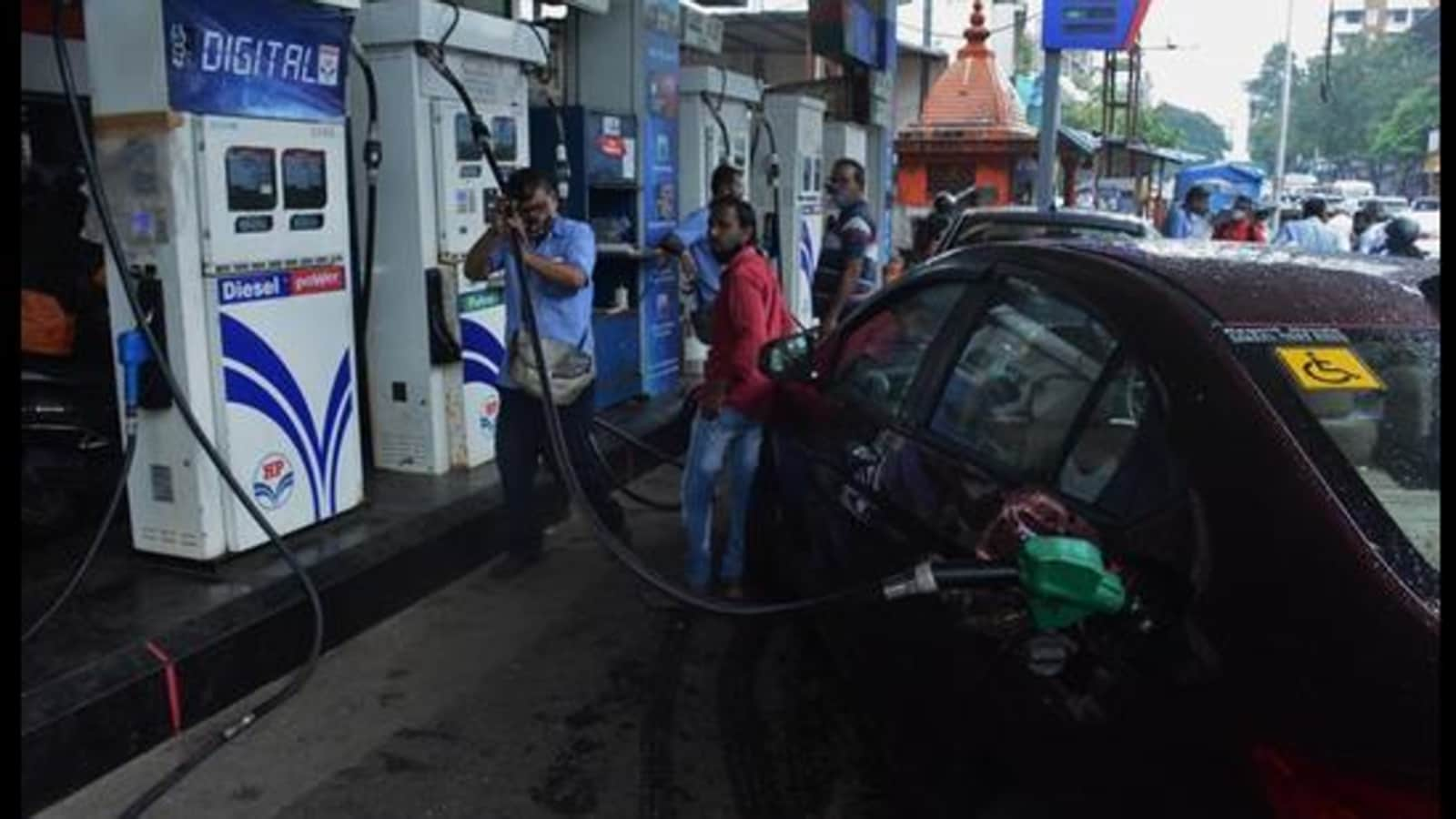 At ₹111.09, petrol price at all-time high in Mumbai