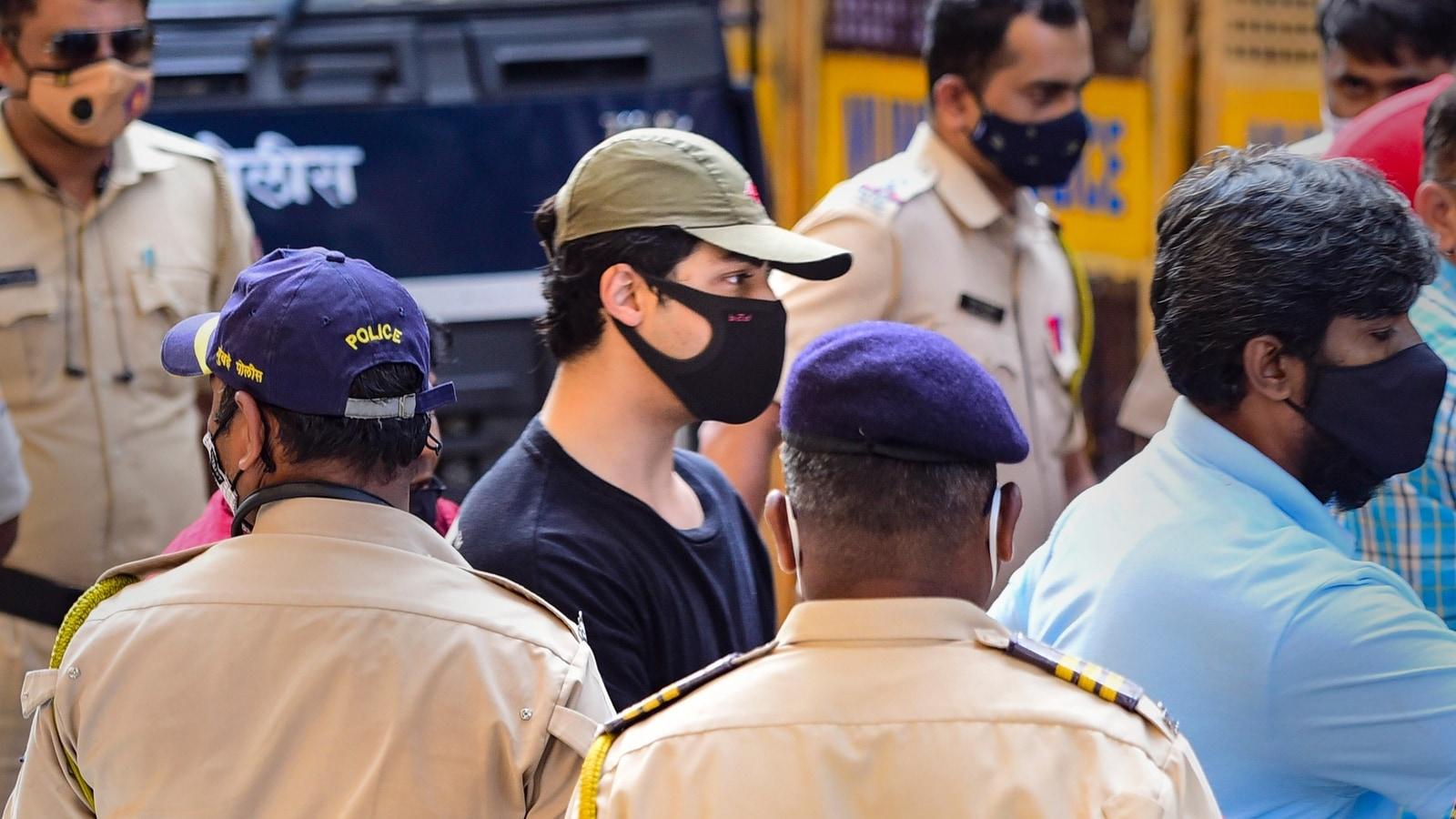 After a money order, Aryan Khan gets a call from Shah Rukh Khan, Gauri Khan