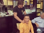 'He could seriously hurt you but those hands give the best ever massage': Gavaskar relishing downtime with Shoaib Akhtar.(TWITTER)