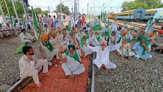 Around 50 trains and 130 locations were impacted by the protesting farmers in Punjab and Haryana, during the rail roko protests.(HT Photo)