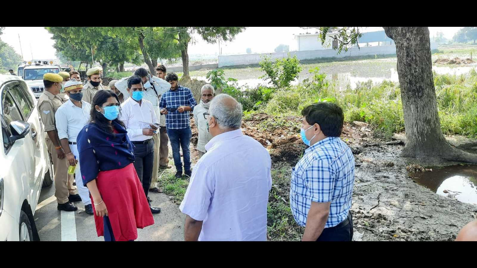 Aligarh DM takes stock of crop damage, orders actual assessment