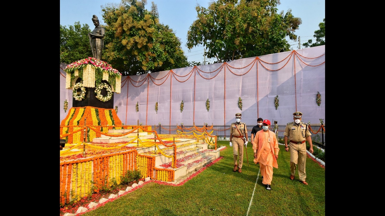 CM Yogi announces 25% increase in diet allowance for police personnel