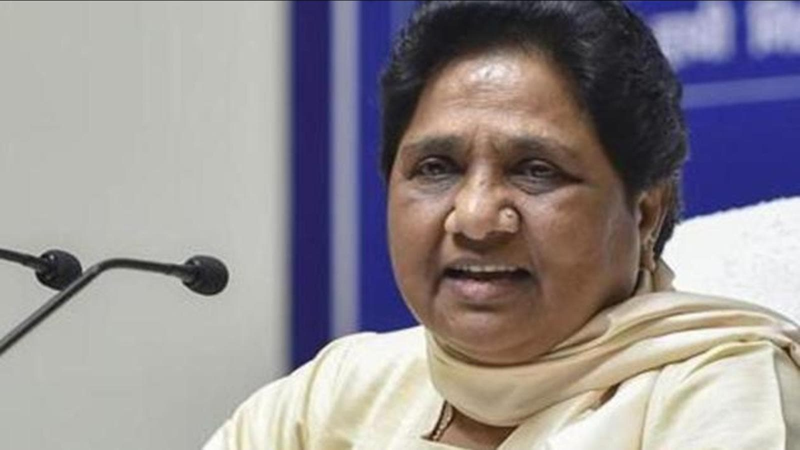 Custodial death: After Priyanka visit, Mayawati rushes team to Agra