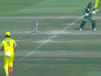 VIDEO: Onto Thigh pad, one bounce, and bowled- Quinton De Kock comical, almost slow-mo, dismissal against Australia- WATCH(SCREENGRAB)