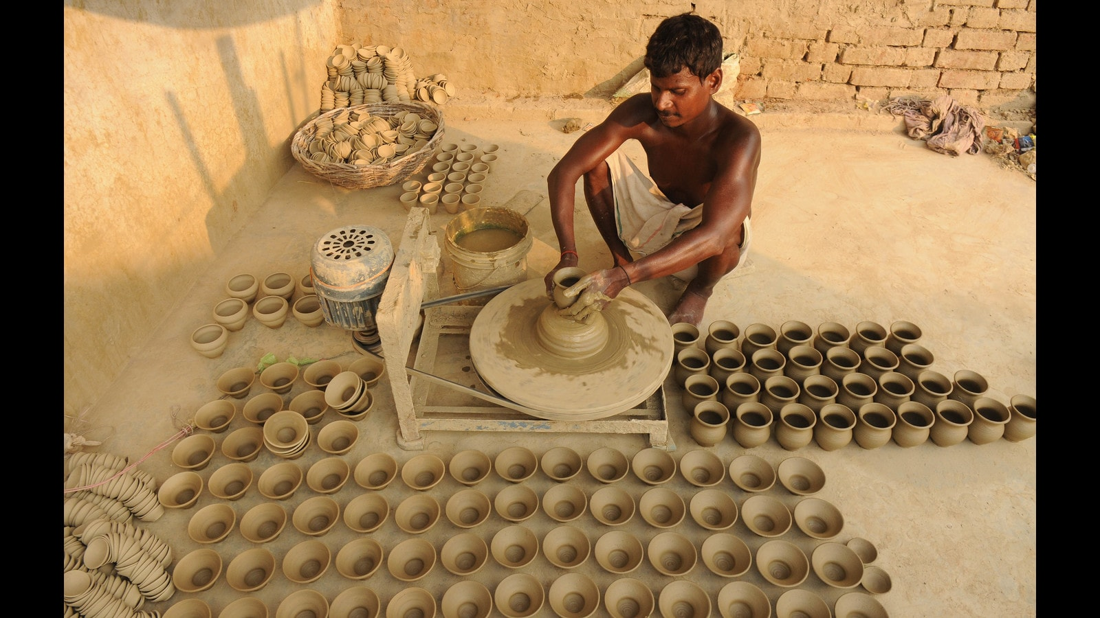 Inflation the latest brake to potters' wheel in UP's Nandpur