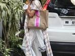 Sara Ali Khan spotted in salwar suit in Santacruz, Mumbai. (Varinder Chawla)
