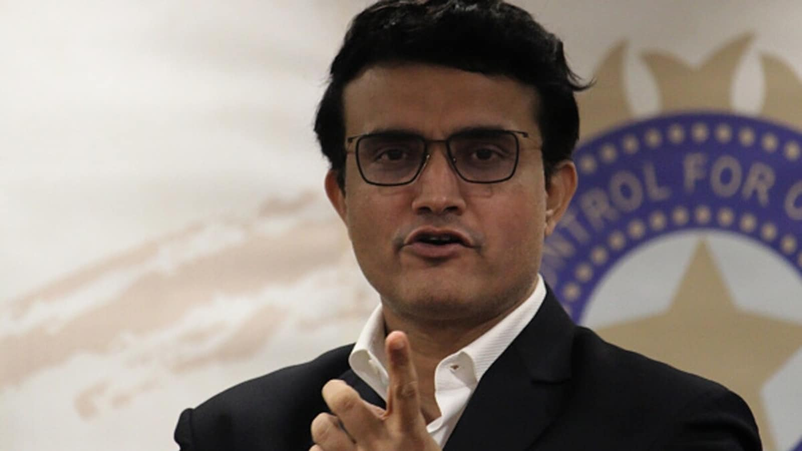 I feel the lack of an extra bowler in the Indian team: Sourav Ganguly