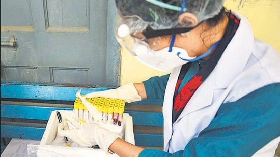 For every 100 people in Delhi, 97 have some level of antibodies that react with Sars-CoV-2 because they have had an infection or a vaccine dose, the latest serological survey suggests, according to preliminary results released by the government on Thursday. (HT PHOTO)