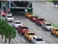 China's futuristic concept: A bus that drives over cars