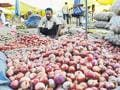 Bumper stock has onion wholesale rate down to Rs 7/kg