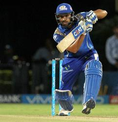 Mumbai Indians look to seal IPL 2017 playoff spot v Royal Challengers Bangalore