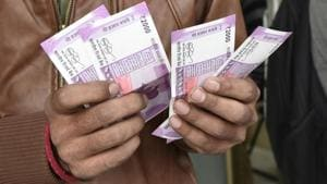 The top 15 national and regional political parties deposited Rs 167 crore during demonetisation, data accessed by HT has revealed.(Arvind Yadav/HT file for representation)
