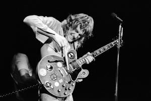 Alvin Lee, front man and lead guitar player of British blues-rock band Ten Years After, was known for his superfast style of playing(Getty Images)