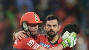 AB de Villiers (L) will captain Royal Challengers Bangalore (RCB) in the initial phase of IPL 2017 if Virat Kohli fails to recover in time.(AFP/Getty Images)