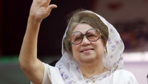 Bangladesh Nationalist Party (BNP) chairperson Begum Khaleda Zia waves to activists as she arrives for a rally in Dhaka in this file picture taken January 20, 2014.(Reuters)