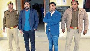 (Left to right) Jeetu and Vikas, who allegedly cheated Mohit Goyal.(HT Photo)