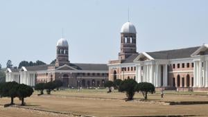 The cumulative figure estimated by the municipal corporation is Rs 4.08 crore.(HT PHOTO)